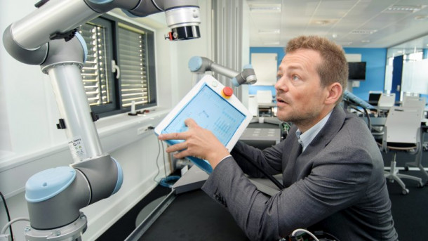 EsbenØstergaard, of Universal Robots